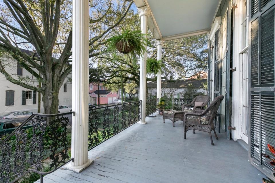 1805 Porch