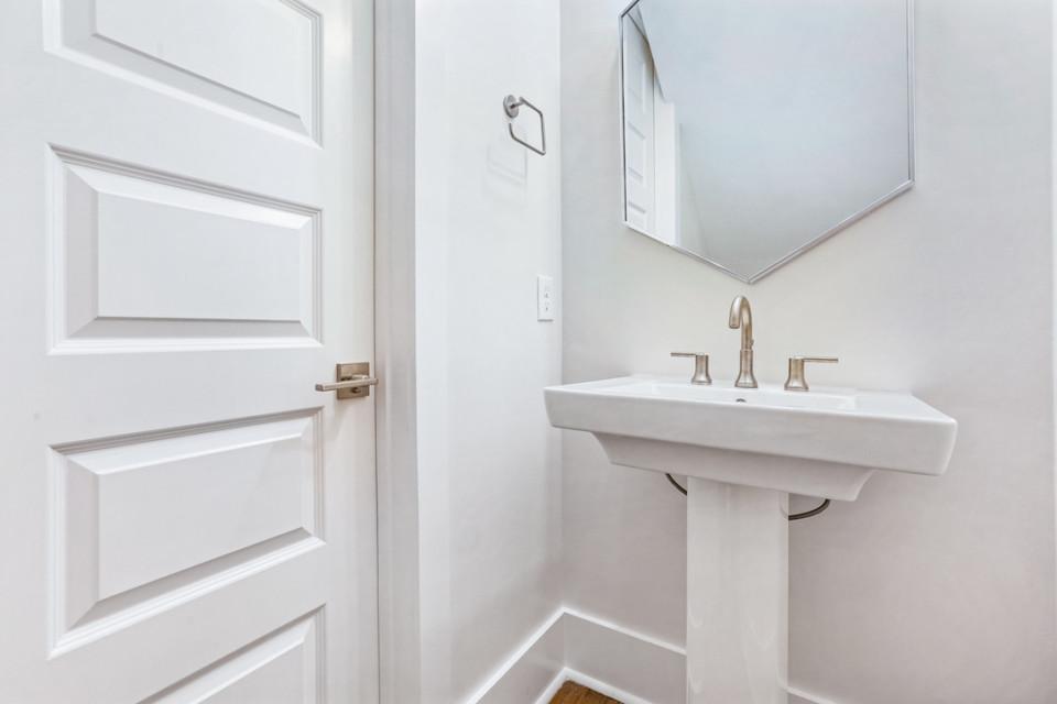 4510 Downstairs half bath