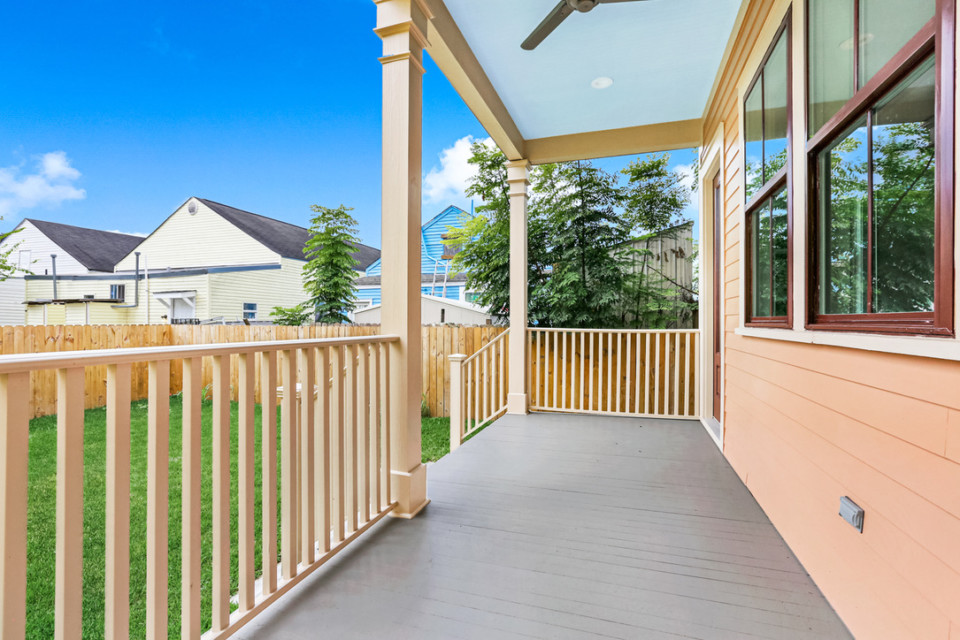 4510 rear porch and yard