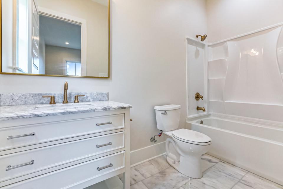 4510 second bedroom bathroom